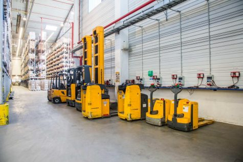 Rhenus operates a fleet of 24 electrically-powered forklift trucks. A central charging station is available for charging the traction batteries.